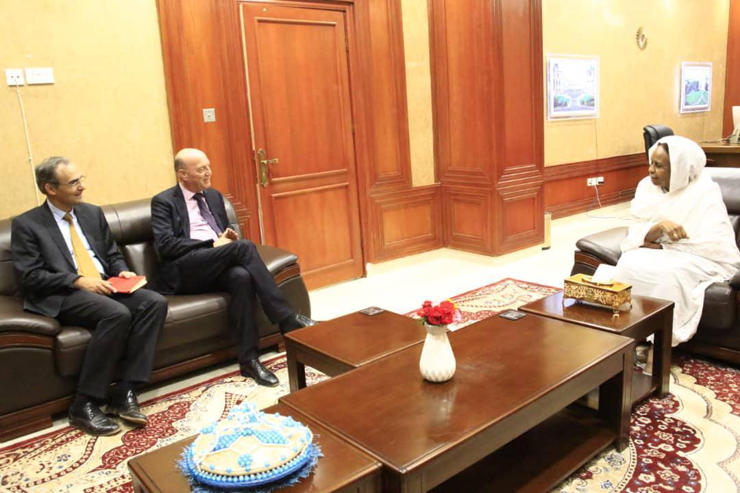 الصومال والسودان يبحثان تعزيز العلاقات الثنائية