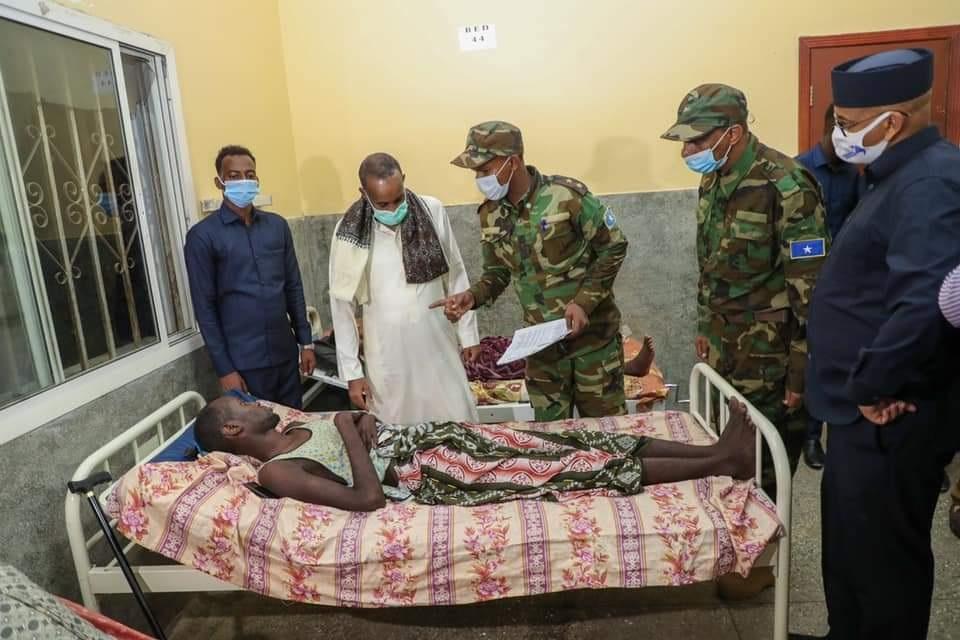رئيس الوزراء يزور الجنود الجرحى في منطقتي أوطيغلي وبريري