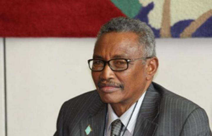 رئيس بونتلاند السابق يوجه انتقادات لبعض رؤساء الولايات الصومالية