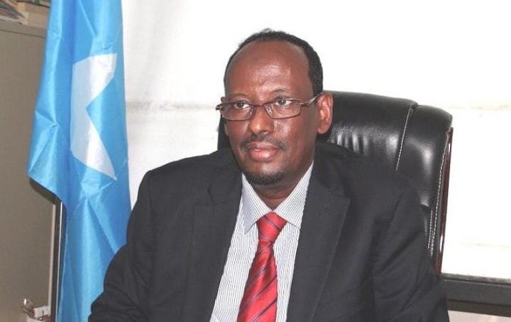 وزير التجارة والصناعة السابق يشيد باتفاقية توحيد القوات الوطنية ويثني على جهود رئيس الوزراء