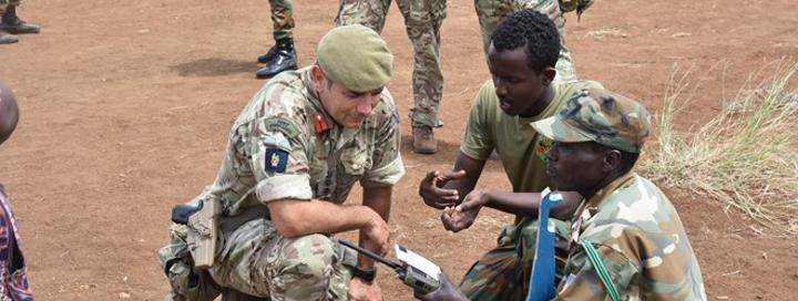 بريطانيا ترسل 250 جندي إلى الصومال للمشاركة في الحرب على حركة الشباب