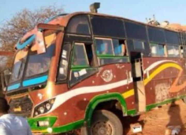 قتيل وعشرة جرحى في هجوم مسلح علي حافلتي ركاب بكينيا