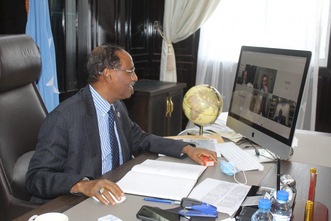 وزير المالية يترأس الاجتماع الشهري للجنة الإصلاح المالي