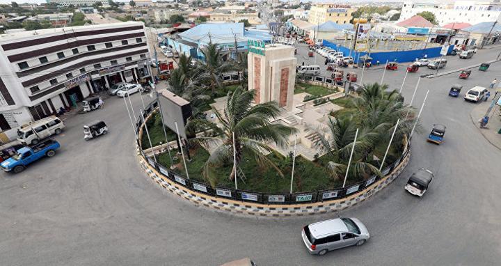 رئيس وزراء الصومال يوجه بعدم السحب من أموال البنك المركزي دون موافقته