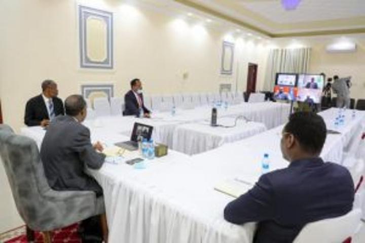 رئيس الوزراء يترأس مؤتمر المجلس الاستشاري الوطني