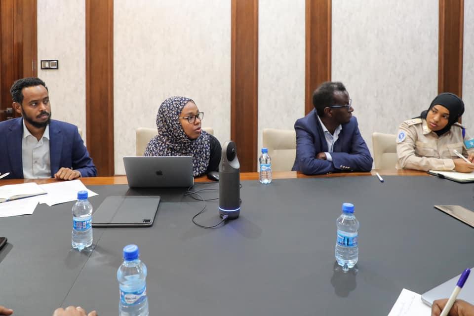 رئيس الوزراء يجتمع مع لجنة أمن الانتخابات الوطنية