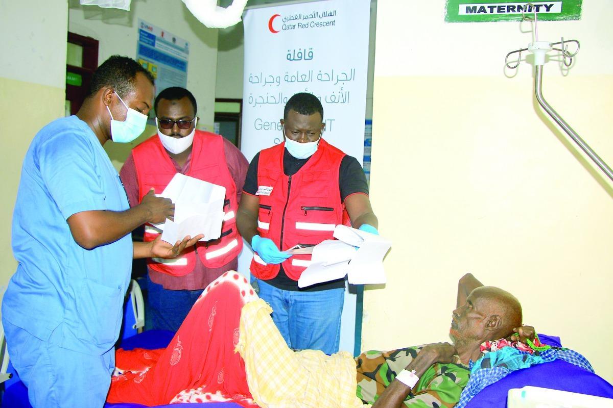 الهلال القطري يطلق قافلة جراحية في الصومال