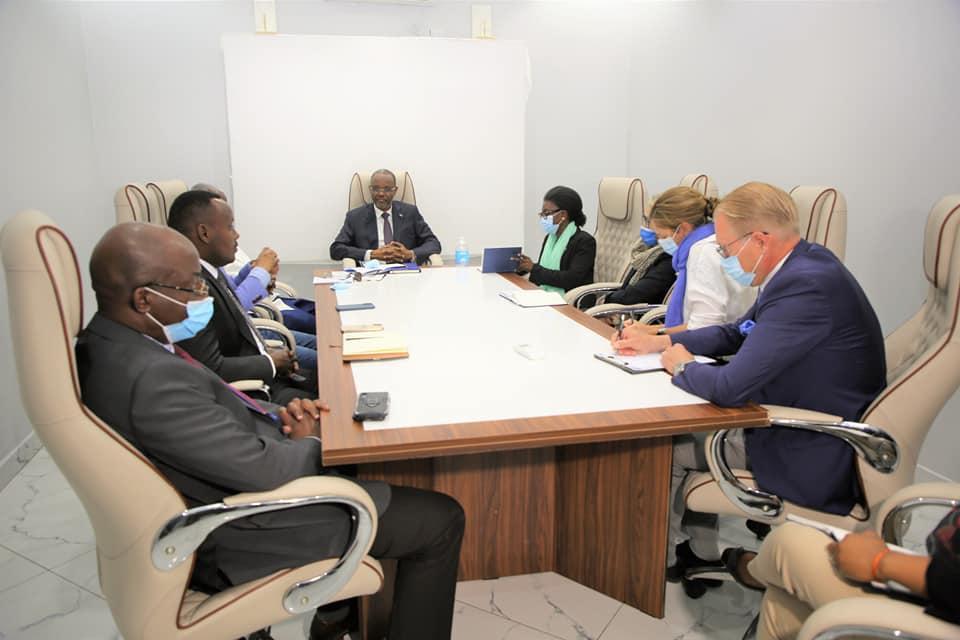 رئيس ولاية جنوب الغرب يبحث مع ممثلي المجتمع الدولي قضية المرحلين من أرض الصومال