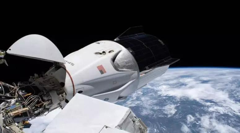 عودة أربعة رواد من محطة الفضاء الدولية في مركبة لـ