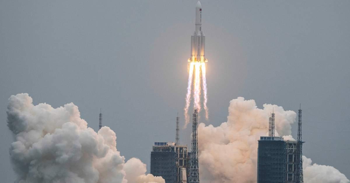 الصين توضح حول صاروخها التائه
