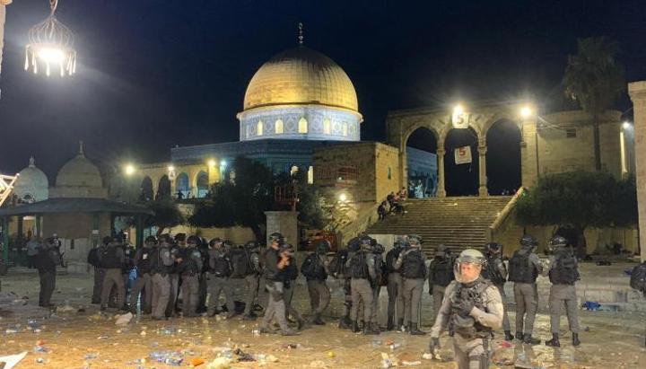 ليلة دامية في القدس الشريف.. وتنديد واسع بمحاولة ترحيل فلسطينيين من حي الشيخ جراح