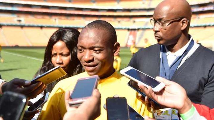 Khama Billiat denies second wife, but Twitter users call him 'another Peter Ndlovu'