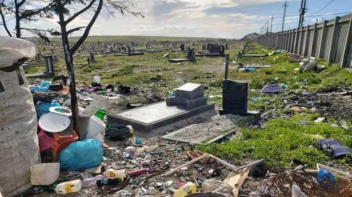 Gravesite vandalism leaves Cape Town families devastated