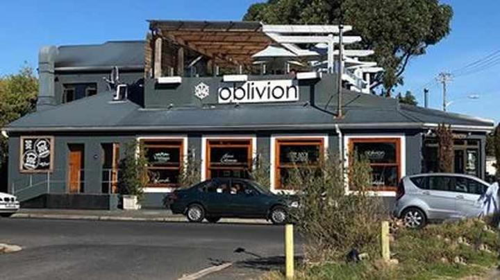 Armed robbers terrore Claremont restaurants and patrons