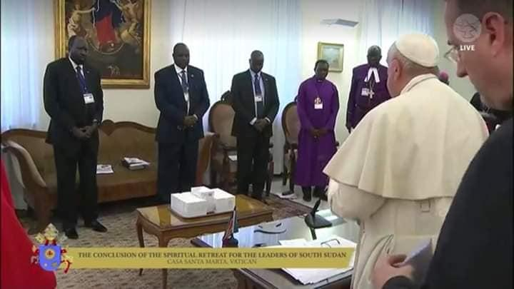 Pope urges South Sudanese leaders to renew peace process in Christmas message