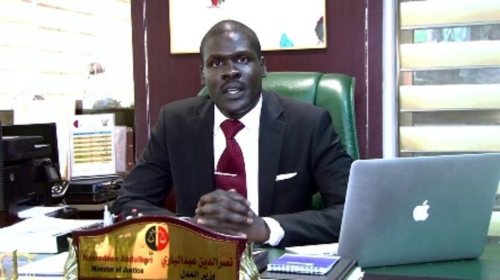 وزير العدل يدعو لإنشاء مفوضية لمكافحة الفساد ومنحها صلاحيات استقلالية