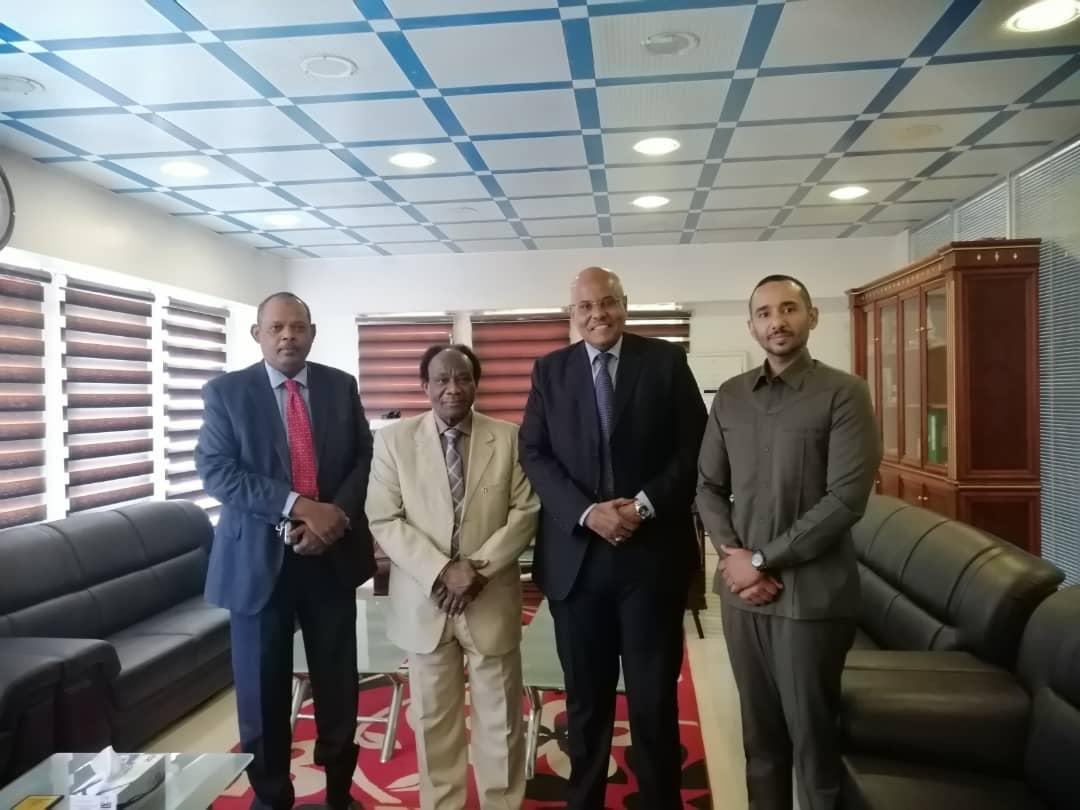 رجال الأعمال بحزب المؤتمر السوداني يدعمون تأهيل وصيانة مبني وزارة الاستثمار