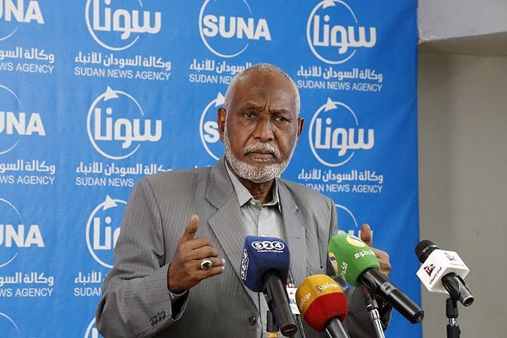 والي شرق دارفور يدعو مواطني الولاية لحراسة محطات الطاقة الشمسية