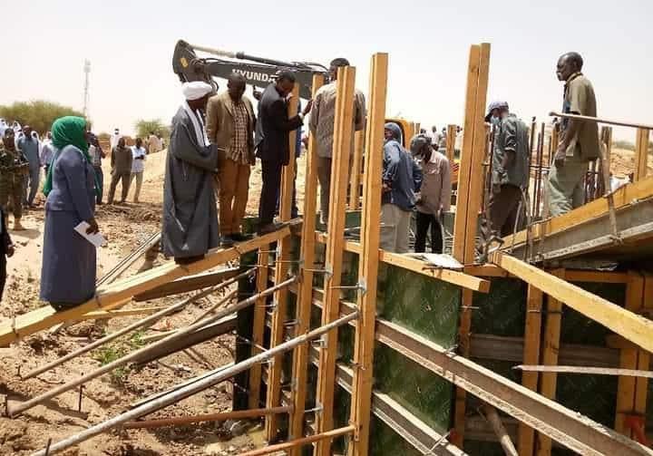 وزير التنمية العمرانية يتعهد بتذليل عقبات إكمال طريق الفاشر كتم