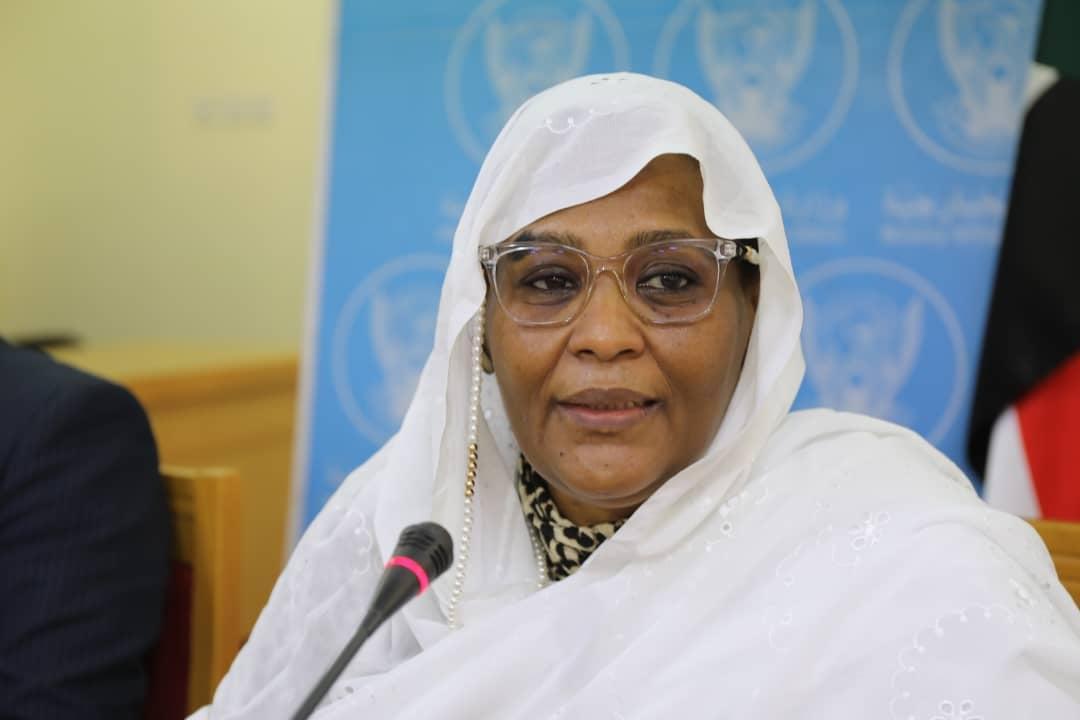 وزيرة الخارجية : الحكومة ملتزمة بتعزيز حقوق الإنسان في البلاد