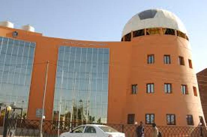 """باج نيوز"""" ينفرد .. اتحاد الكرة يعتمد مجلس إدارة المريخ الجديد بقيادة القنصل حازم مصطفى"""