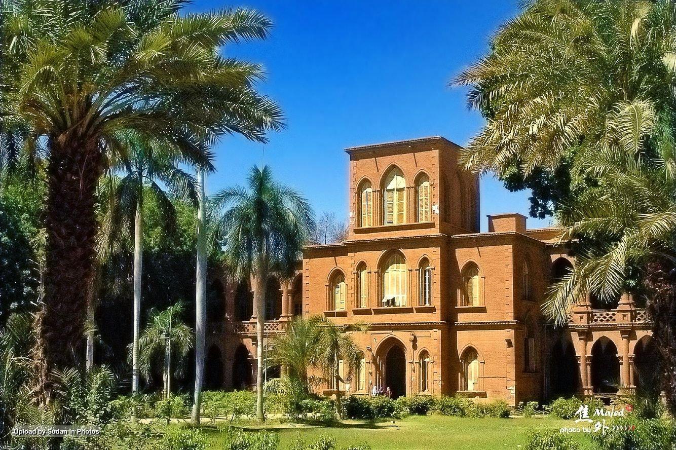 طلاب بجامعة الخرطوم يطالبون بتوفيق أوضاع الداخليات وإصلاحها