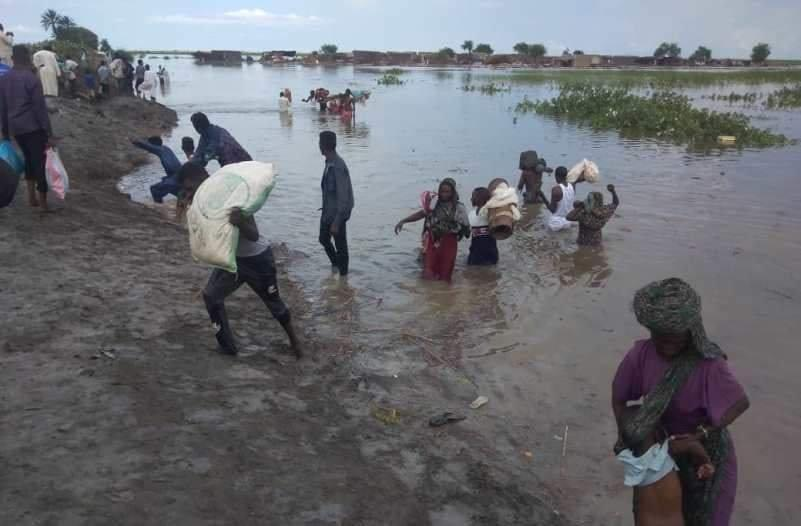 """""""النيل الأبيض"""" تستقبل قافلة مساعدات إنسانية وتؤكد استمرار دعم المتأثرين بالسيول"""