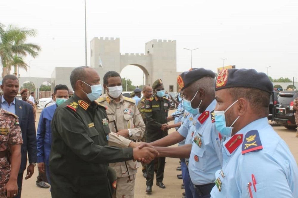 """الجيش يشكر سكان مناطق """"الجموعية"""" لوقفتهم أثناء حادثة الطائرة العسكرية المنكوبة"""