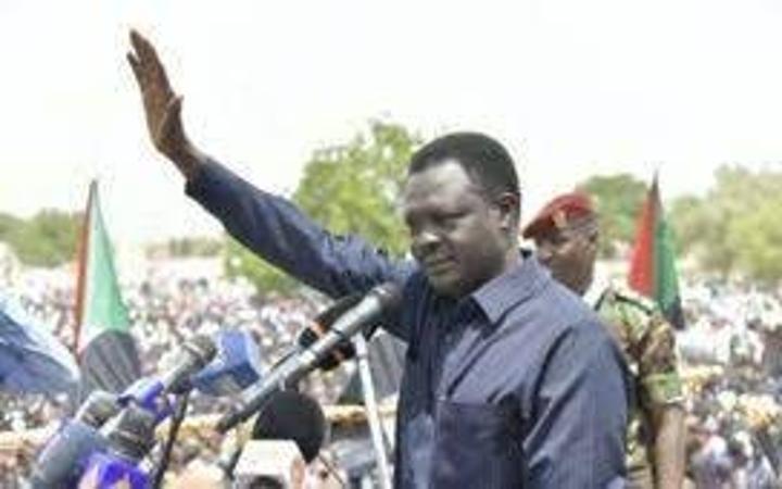 حاكم دارفور يلوّح بتجاوز الحكومة المركزية في الترتيبات الأمنية