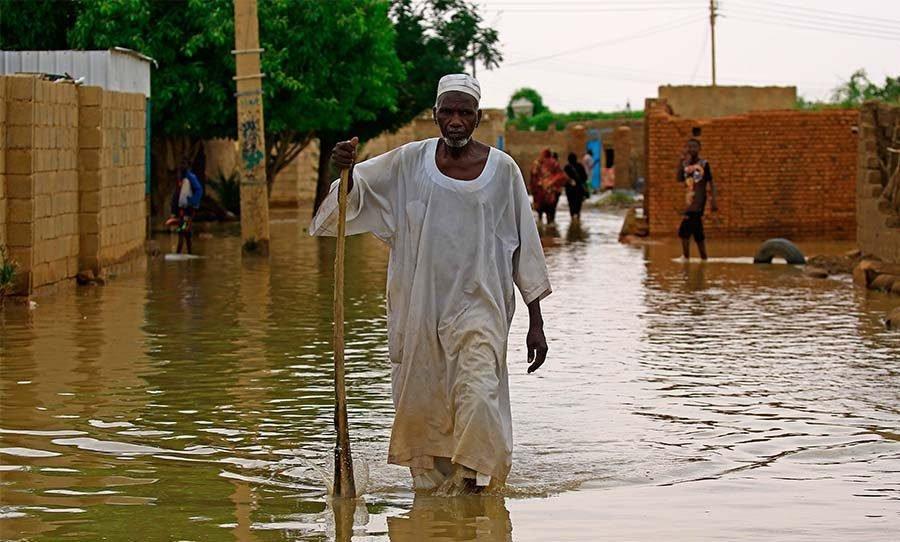كسورات في مصرف تتسبب في غرق قرية بالكامل بالجزيرة