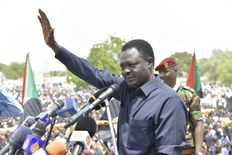 مناوي يدعو لفتح حسابات للمغتربين والتحويلات الخارجية لجلب الودائع بالعملات الأجنبية