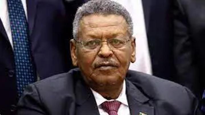 """إصابة بكري حسن صالح بـ""""كورونا"""" وتأجيل محكمة الانقلاب"""