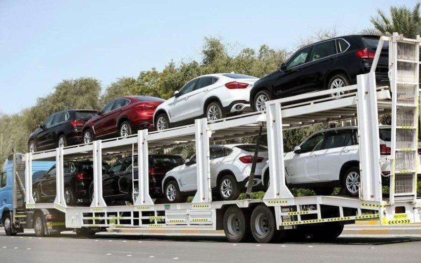 قرار حكومي لمعالجة سيارات المغتربين والمواطنين المستوردة