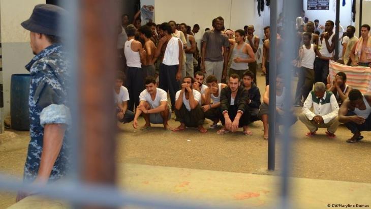 """لاجئون من النيجر والسودان وإريتريا في ليبيا: """"نطالب بإجلائنا فورا عن هذا البلد لأنه غير آمن"""""""