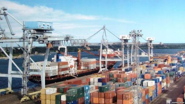 Goods, services import bill decreases