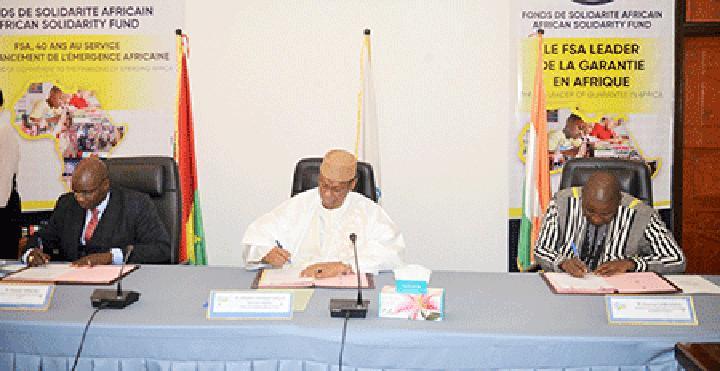Signature de convention de garantie entre la BADF, Horizon Informatique et le FSA : Le FSA garantit 50 % du financement de production d'ordinateurs ''Made in Burkina''