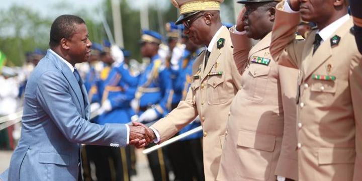 Togo: comment Faure Gnassingbé veut réconcilier l'armée et la population