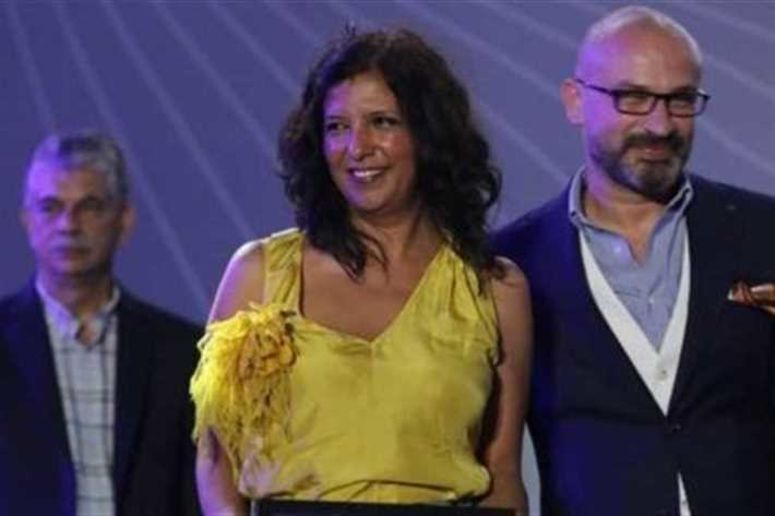 مهرجان الجونة : كوثر بن هنية تتوج بجائزة أفضل فيلم عربي بـ'الرجل الذي باع ظهره'