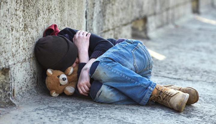 1700 طفل مشرّد و4300 عائلة ترغب في التفريط في أبنائها: قنابل موقوتة على قارعة الطريق