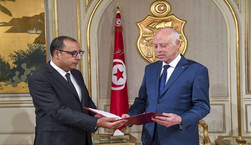 إقالة وزير الداخلية التونسي يكشف عمق الصراع بين الحكومة ورئاسة الجمهورية