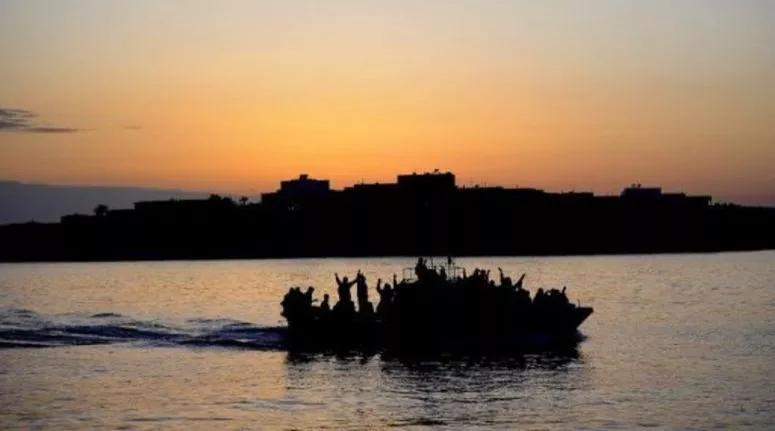 عدد المهاجرين التونسيين غير النظاميين الواصلين إلى ايطاليا خلال سنة 2020 يناهز 13 ألف مهاجر