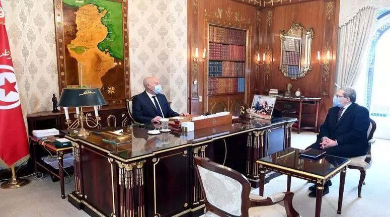 توفير التلاقيح ضدّ فيروس كورونا في أقرب الآجال أبرز محاور لقاء رئيس الجمهورية بوزير الشؤون الخارجية