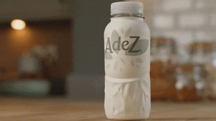 كوكاكولا تتجه إلى بيع مشروباتها في زجاجات ورقية