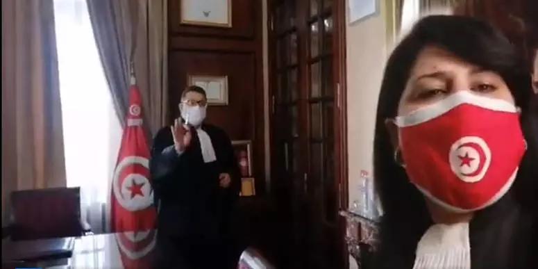 عميد المحامين يرفض مقابلة عبير موسي دون موعد ويمنعها من التصوير