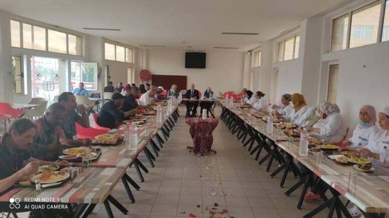 حفل غداء جماعي للاسرة الموسعة بمدينة العلوم بتونس