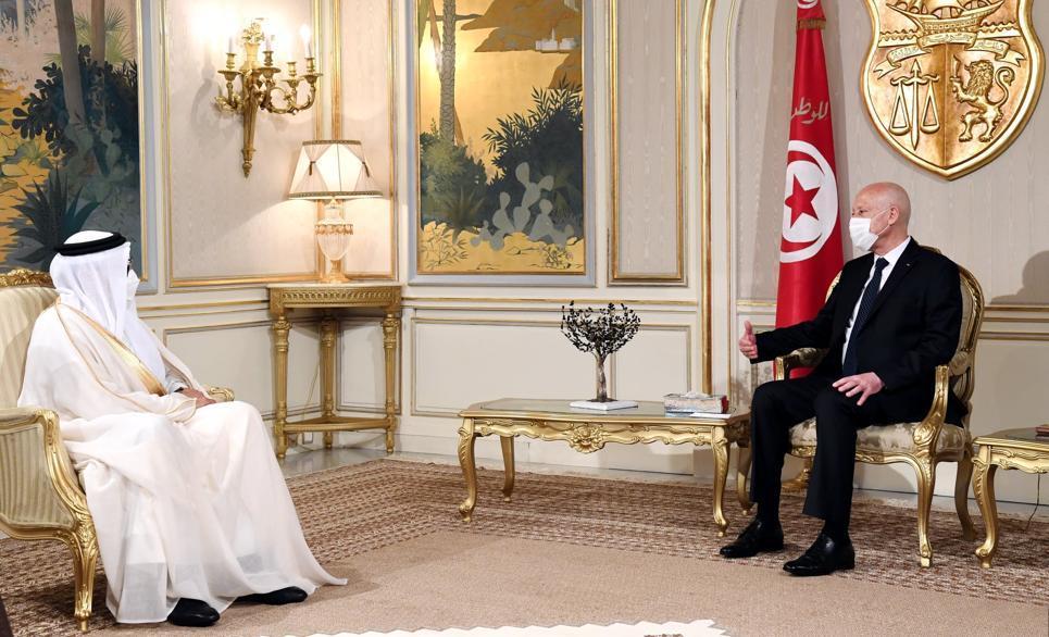 رئيس الجمهورية يستقبل وزير الخارجية البحريني