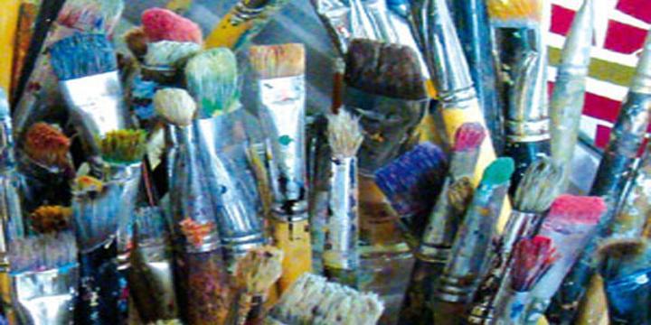 مدينة غار الملح تحتضن الصالون الوطني الأول للفنون التشكيلية بدور الثقافة