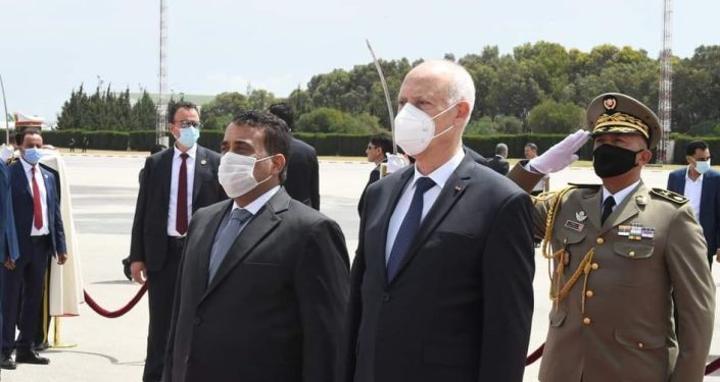 هل تقبل الأطياف السياسية والحقوقية في تونس خطة الرئيس في تغيير النظام والدستور؟