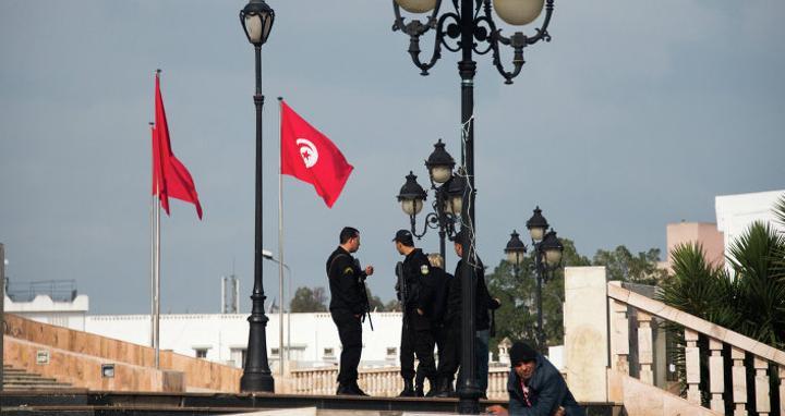 دعوة لانتخابات برلمانية مبكرة في تونس... هل تتم