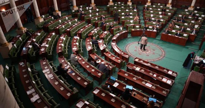 الاتحاد التونسي للشغل يدعو إلى انتخابات مبكرة تفضي لتشكيل البرلمان